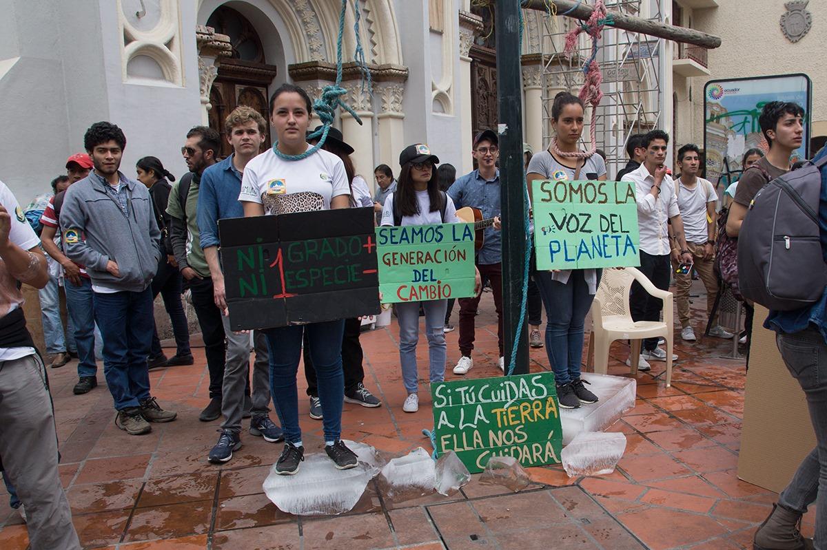 Zoo-Bioparque-Amaru-Cuenca-MARCHA POR EL CLIMA EN LA CIUDAD DE CUENCA